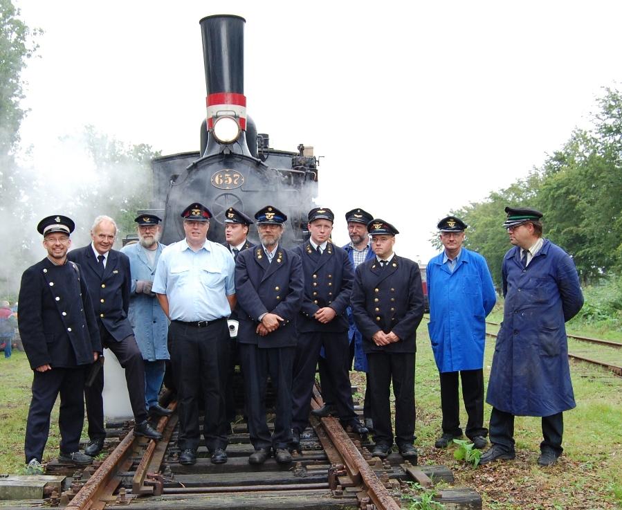 """Personalet fotograferet i Pejrup ved vores event """"Kulrøg og dieselos"""" i august 2010"""